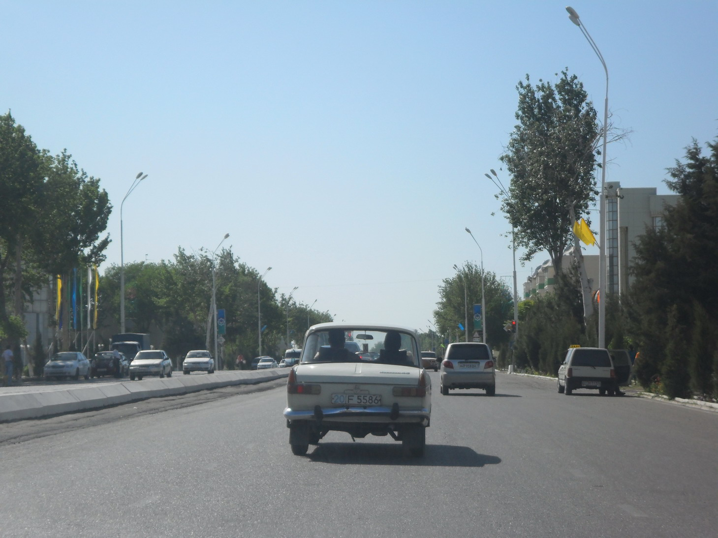 30 minute drive from the station to Bukhara