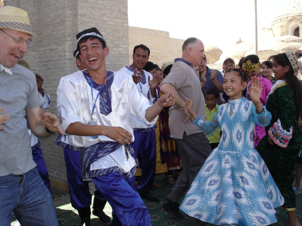 Vibrant dancing